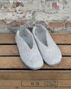 Slippers, Knitting, Crafts, Shoes, Felting, Threading, Weihnachten, Sneaker, Zapatos
