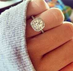 This is exactly what I want my engagement ring to look like, if not I'm saying no lol