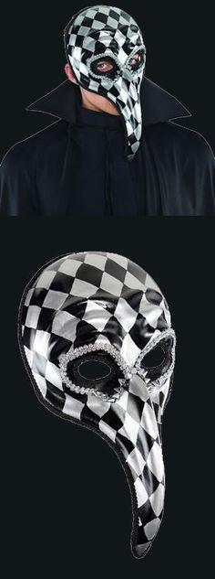 Harlequin Jester Mask. Festive Harlequin Fête Halloween Party Decorating & Ideas
