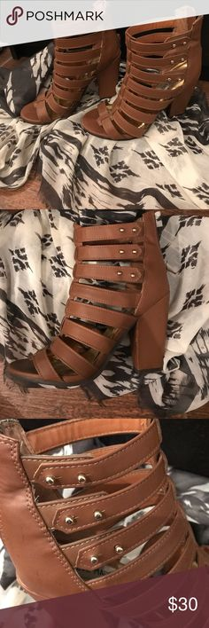 Steve Madden Petras! perfect for the spring summer In great condition Steve Madden Petra style heels with strappy look and gold studs on the side, zipper closure in the back. The heel is 3inches and the right has a minor scuff on the inside (see pictures) Steve Madden Shoes Heels