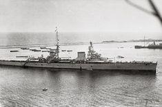 Tank Drawing, Heavy Cruiser, Armada, Trieste, Royal Navy, Battleship, Military Vehicles, Wwii, Paris Skyline