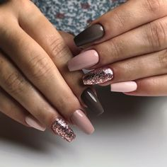 Semi-permanent varnish, false nails, patches: which manicure to choose? - My Nails Red Acrylic Nails, Acrylic Nail Designs, Nail Art Designs, Stylish Nails, Trendy Nails, Cute Nails, Nail Manicure, Gel Nails, Coffin Nails