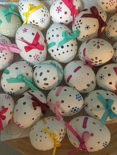 Easter Eggs, Cake, Desserts, Wood, Xmas, Tailgate Desserts, Deserts, Kuchen, Postres