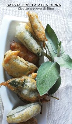 Sage fried in beer Recipe proof . Beer Recipes, Best Dinner Recipes, Brunch Recipes, Mexican Food Recipes, Italian Recipes, Easy Party Side Dishes, Good Food, Yummy Food, Finger Food Appetizers