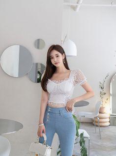 Asian Model Girl, Korean Model, Cute Girl Pic, Cool Girl, Tops For Leggings, Asian Style, Beautiful Asian Girls, Asian Woman, Asian Beauty