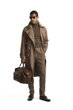 See all the Collection photos from Ralph Lauren Autumn/Winter 2017 Menswear now on British Vogue Mens Winter Coat, Mens Fall, Ralph Lauren Hombre, Ralph Lauren Winter Coats, Male Fashion Trends, Mature Mens Fashion, Vogue Russia, Fashion Moda, Gentleman Style