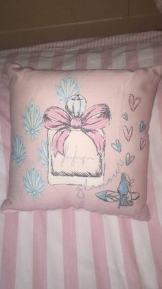 Penneys Vintage Glamour Cushion Primark Home, Vintage Glamour, Bedroom Styles, Color Themes, Bed Pillows, Cushion, Blog, Decor, Pillows