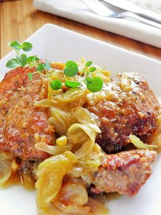 sio-smutki! Monika od kuchni: Karkówka duszona z cebulą Polish Recipes, Polish Food, Dinner Dishes, Lasagna, Seafood, Grilling, Bbq, Pork, Food And Drink