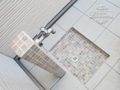 立水栓 水受け モザイクタイル Dog Washing Station, Drainage Solutions, Pool Designs, New Homes, Backyard, Shower, House, Small Backyards, Craft