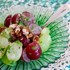 Quick 'n Easy Grape Salad with Concord Dressing Recipe