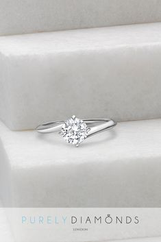 Round Brilliant Engagement Ring Round Brilliant Engagement Ring,Wedding ideas The most popular shape for all engagement rings account for more than of all engagement rings sold worldwide. Look Retro, Beautiful Engagement Rings, Twist Engagement Rings, Designer Engagement Rings, Style Classique, Diamond Wedding Bands, Solitaire Diamond, Cushion Solitaire, Platinum Wedding Rings