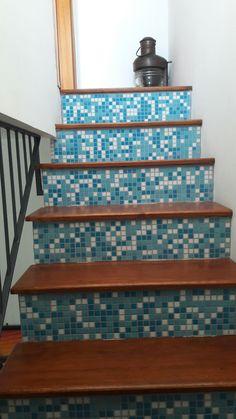 Scala decorata a mosaico