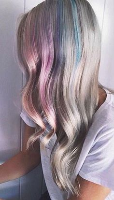 We're obsessing over this gorgeous, subtle look IG's @hannahelizabethpennell shared with us! She used Hot Hot Pink, Cotton Candy Pink, Ultra Violet and Bad Boy Blue all diluted with Pastelizer!