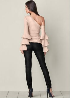 Women S Fashion Over Petite Fashion Over 40, Look Fashion, Womens Fashion, Fashion Trends, Fashion Boots, High Fashion, Sexy Outfits, Trendy Outfits, Couture