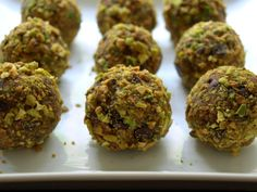 The Simple Veganista: Raw Chocolate Pistachio Oatmeal Cookies
