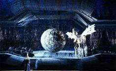 George Tsypin : Opera : Oedipus Rex