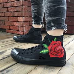 Hand Painted Converse All Star Rose Black High Top Canvas Sneakers Diy Converse, All Black Converse, Painted Converse, Outfits With Converse, Converse All Star, Black Shoes, Custom Converse, Converse Shoes Outfit, Hand Painted Shoes