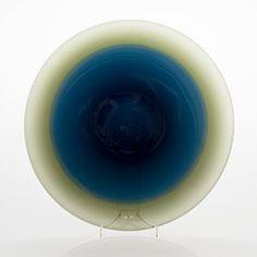 Design och inredning till ditt hem hittar du på Bukowskis auktion online eller shop online - Bukowskis Glass Design, Design Art, Hem, Bukowski, Scandinavian, Glass Art, Auction