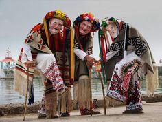 La Danza de los Viejitos (dance of the old men) is a dance in Michoacán.