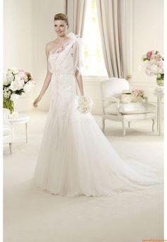 Wedding Dress Pronovias Urumbea 2013