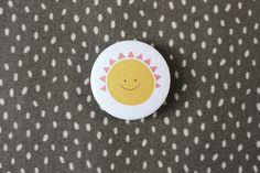"""Buttons - Kids.  Button """"Sonne"""", matt schöner, schicker Button mit Sonnenmotiv in matter Optik! Durchmesser 3,2 cm 2,00 € inkl. MwSt., zzgl. Versandkosten"""