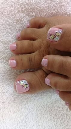 45 ideas for french pedicure designs toes polka dots Pretty Toe Nails, Cute Toe Nails, Gorgeous Nails, Toe Nail Color, Toe Nail Art, Nail Colors, Nail Nail, Toenail Art Designs, Pedicure Designs