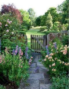01 Stunning Cottage Garden Ideas for Front Yard Inspiration., 01 Stunning Cottage Garden Ideas for Front Yard Inspiration Farm Gardens, Outdoor Gardens, English Cottage Gardens, House Gardens, Exterior, Garden Gates, Dream Garden, Garden Planning, Garden Inspiration
