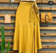 Classy Outfits, Chic Outfits, Summer Outfits, Mode Outfits, Skirt Outfits, African Fashion, Blouse Designs, Dress To Impress, Fashion Dresses