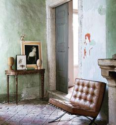 @nicolas4matheus op Instagram: 'Chez Irène Silvagni #provence #miesvanderrohe #paoloroversi #irènesilvagni #barcelonachair…'