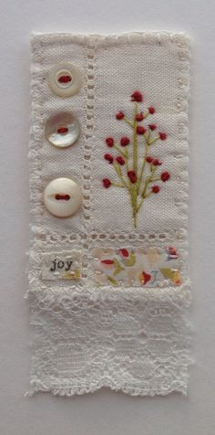 mini fiber art with hand embroidery Embroidery Applique, Cross Stitch Embroidery, Embroidery Patterns, Machine Embroidery, Art Textile, Textile Jewelry, Fabric Jewelry, Fabric Brooch, Fabric Postcards