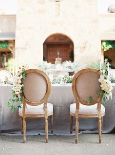 Tuscan-inspired sweetheart chairs: http://www.stylemepretty.com/2016/06/06/a-sonoma-wedding-inspired-by-old-world-tuscany/   Photography: Michele Beckwith - http://michelebeckwith.com/