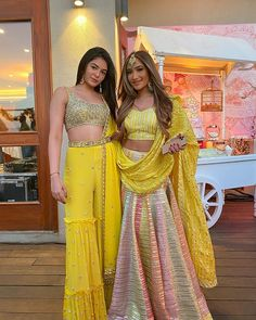 Check out trending wedding dresses ideas for the sister of the bride. Bridesmaid outfit ideas and bridesmaid dresses inspirations at ShaadiWish. Party Wear Indian Dresses, Designer Party Wear Dresses, Indian Gowns Dresses, Indian Bridal Outfits, Indian Fashion Dresses, Kurti Designs Party Wear, Dress Indian Style, Wedding Dresses For Girls, Indian Designer Outfits