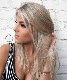 Medium Ash Blonde Hairstyle For Straight Hair