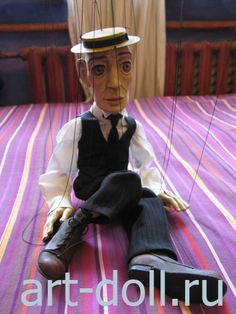 """Wooden puppet """"Buster Keaton""""(snippet) produced """"RUDOLFIUS"""""""