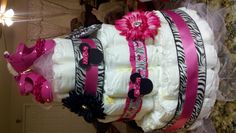 Minnie Mouse Diaper Cake - I made this for my daughter Brittany's baby shower. Cute Baby Shower Ideas, Baby Shower Themes, Baby Shower Decorations, Baby Ideas, Baby Shower Diapers, Baby Shower Cakes, Baby Shower Parties, Zebra Baby Showers, Minnie Mouse Baby Shower