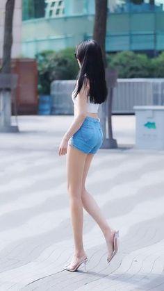 Classy Women, Sexy Women, Women With Beautiful Legs, Hot Japanese Girls, Sexy Pajamas, Skinny Girls, Cute Asian Girls, Swimwear Fashion, Girl Fashion