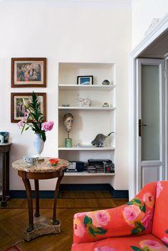 Textile designer Lisa Corti 's apartment in the center of Milan