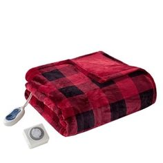 Maintain the perfect level of warmth with this True North by Sleep Philosophy Oversized Heated Throw. Secure Comfort Heat Technology adjusts based on overall heat, spot temperatures and the room's ambient temperature, all in a microlight fabric. Electric Throw Blanket, Heated Throw Blanket, True North, Buffalo Check, Cool Things To Make, Zip Around Wallet, Coin Purse, Plush, Electromagnetic Field