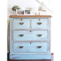 SOLD -- This beautiful old chest of drawers was given a new lease of life with ( a lot of help from my husband!) and a custom mix of Old White and French Blue. The top has been stained teak, then Walnut and lightly distressed. This would make a gorgeous centre piece {$379} local pick up #furniture #furniturerestoration #restoredfurniture #paintedfurniture #brisbane #womenwhodiy #qld #vintage #rustic #ascp #anniesloanchalkpaint #vintagefurniture