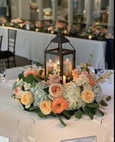Lantern Centerpiece Wedding, Wedding Lanterns, Wedding Decorations, Table Decorations, Furniture, Home Decor, Lantern Wedding Centerpieces, Homemade Home Decor, Home Furnishings