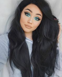 Step out of your color comfort zone and take notes from the gorgeous  @ohmygeeee She used the @JaclynHill palette. Share your looks for your chance to be featured. #MorpheXJaclynHill