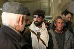 Cédric Herrou quitte le palais de justice de Nice le 4 janvier 2017 après la tenue de son procès.