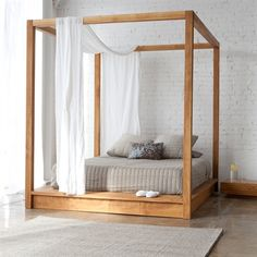 Mash Studios PCH PCH Series Canopy Bed