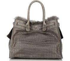 Even though it seems like handbags get more and more expensive every season…