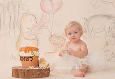Cake smash photo by Heidi Hope Photography. Winnie the Pooh theme.