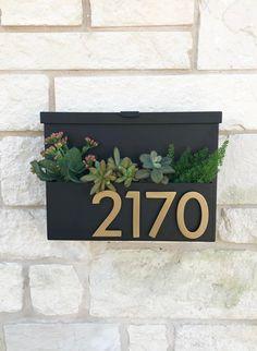 Mailbox On House, Porch Mailbox, Mailbox Planter, Diy Mailbox, Modern Mailbox, Planter Boxes, Planters, Mailbox Ideas, Wall Mount Mailbox