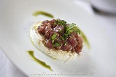 Mozzarella di bufala tartare di tonno e basilico