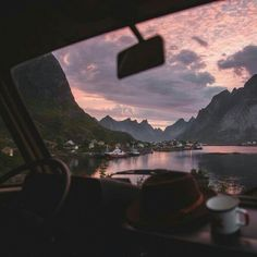 Inspiration Picture of Road Trip Aesthetic - Todosobre - Travel And Enjoy Living Beautiful World, Beautiful Places, Road Pictures, Travel Aesthetic, Nature Aesthetic, Summer Aesthetic, Pink Aesthetic, New Wall, Pretty Pictures