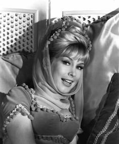 Barbara Eden - I dream of Jeannie (1965)