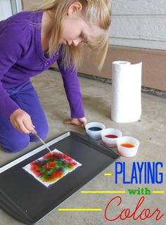 Soaking up Color: Paper Towel & Food Coloring Experiment #quickerpickerupper #spon